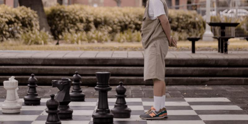 Empfohlene Beitragsbilder 6 Tipps wie man im Schach besser wird Achten Sie immer auf das Spiel - 6 Tipps, wie man beim Schach besser ist